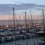 Panoráma és vitorláskikötő